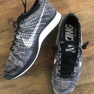 """7a2edf522e2d Nike Flyknit Racer """"Oreo"""" size 7 men 8.5 women"""